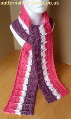 striped raised scarf