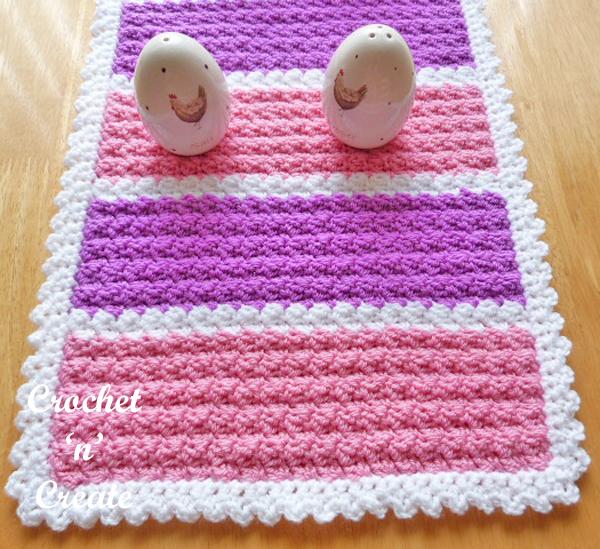 crochet runner-600b