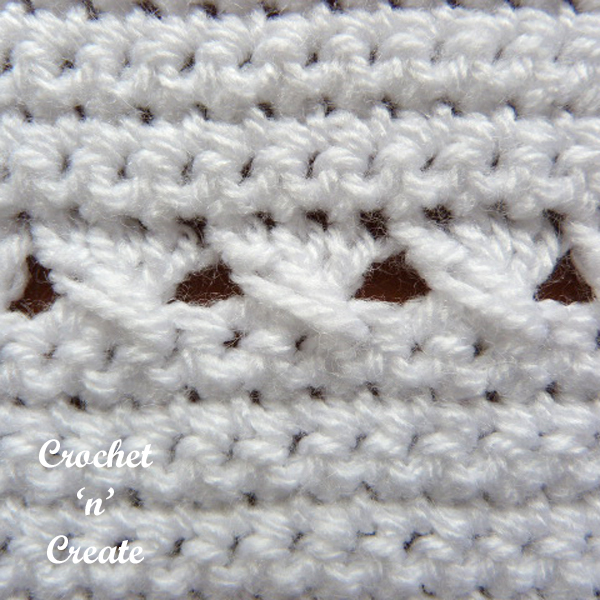 crisscross baby blanket close up