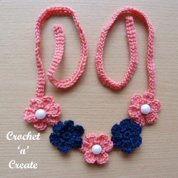 small flower necklace-600c
