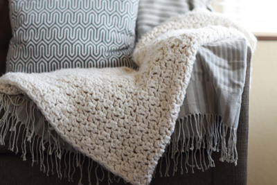 Super-Bulky-Crochet-Blanket-Pattern