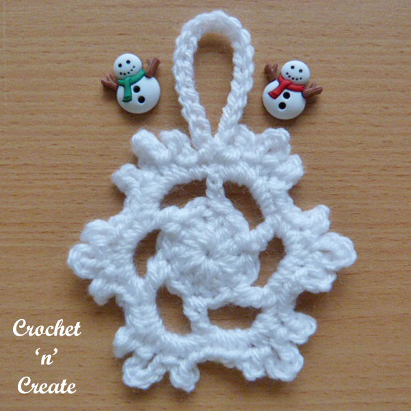 Free snowflake tree decoration crochet pattern