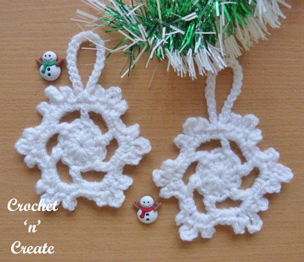 Snowflake tree decoration free crochet pattern
