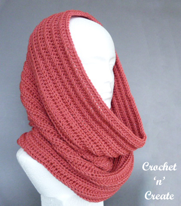 Free ribbed hooded cowl crochet pattern