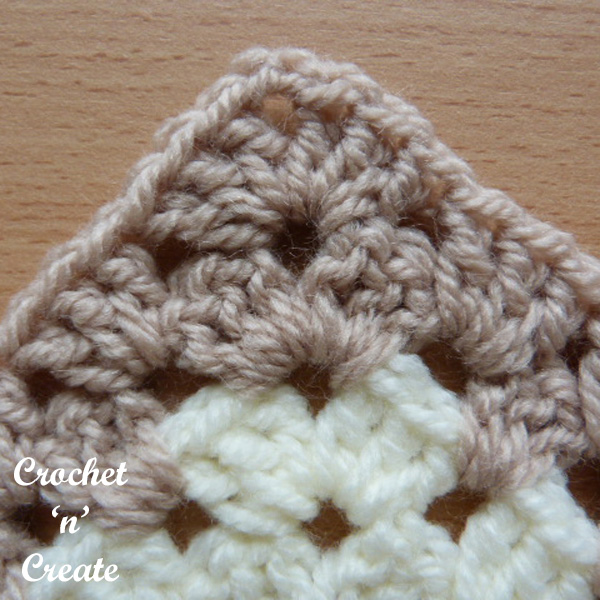 Free crochet tutorial granny chevron stitch