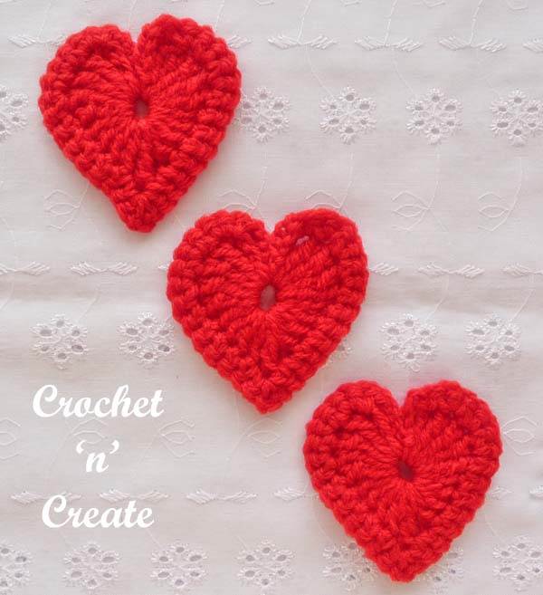 Free crochet pattern love heart motif