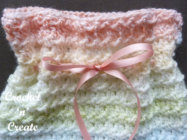 Crochet travel sponge bag