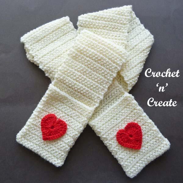 Crochet valentine pocket scarf pattern