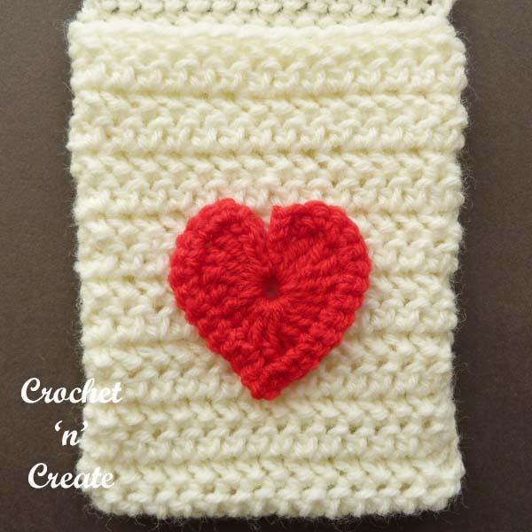 Free crochet pattern valentine pocket scarf