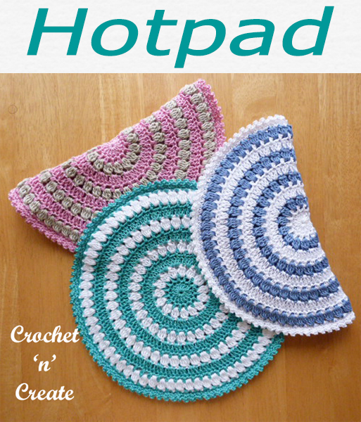 Free crochet circular hot pad pattern, save your tables from stains, made in cotton yarn with double thickness. CLICK and scroll down the page for the pattern. | #crochethotpad #crochetncreate #crochet #howto #crochetpattern #freecrochetpattern #easypattern #freepattern #forbeginners #diy #crafts #crochetaddict #followforcrochet