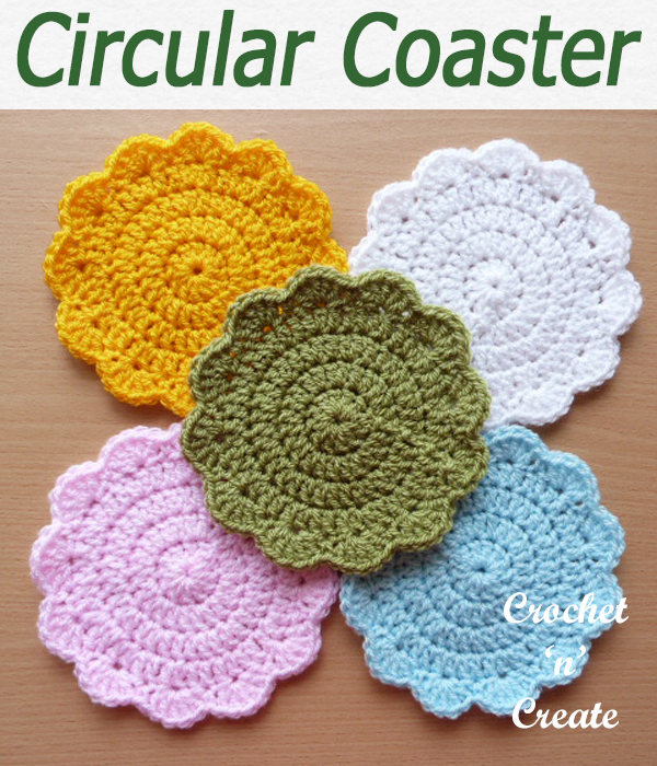 Circular coaster designed in basic crochet stitches, use this free crochet pattern for outdoor living as well as your dining area. CLICK and scroll down the page for the pattern. | #crochetforthehome #crochetcoaster #crochetdining #crochetncreate #crochet #crochetpattern #freecrochetpattern #easypattern #freepattern #forbeginners #diy #crafts #crochetaddict #followforcrochet