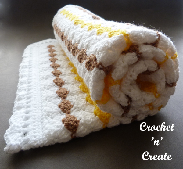 Crochet shell stroller blanket roll up