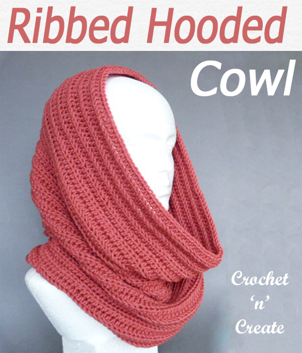 Stay warm and cosy with this free crochet cowl pattern, worked in a back loop rib effect on large hook it crochets up quickly. CLICK and scroll down the page for the pattern. | #crochetcowl #hoodedcowl #crochetscarf #scarf #crochet #howto #crochetpattern #freecrochetpattern #easypattern #freepattern #forbeginners #diy #crafts #crochetaddict #followforcrochet