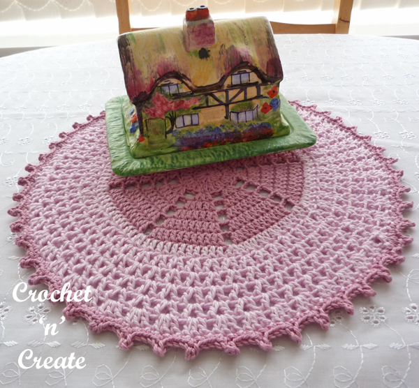crochet circular table mat