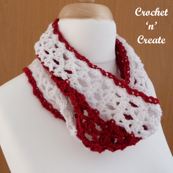 lacy cluster cowl