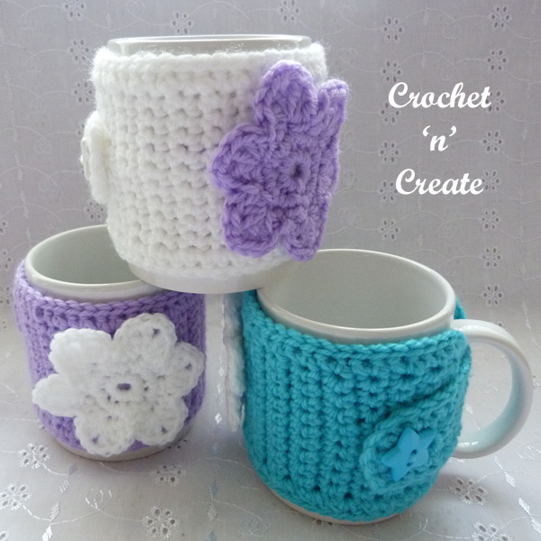 crochet flowered mug sleeve