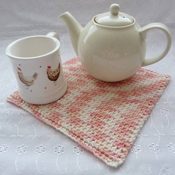 teapot on hotpad