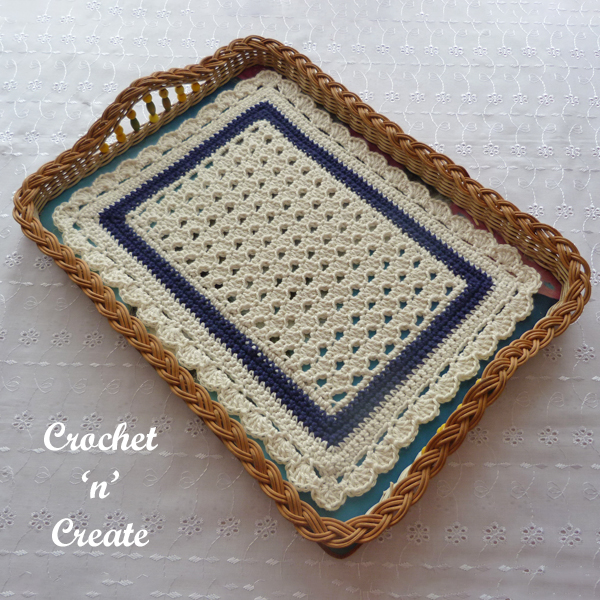 navy-cream tray mat